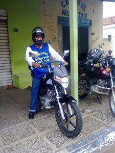 Mototaxistas revelam cotidiano da profissão