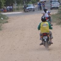 Ruas asfaltadas sem manutenção gera reclamação entre moradores