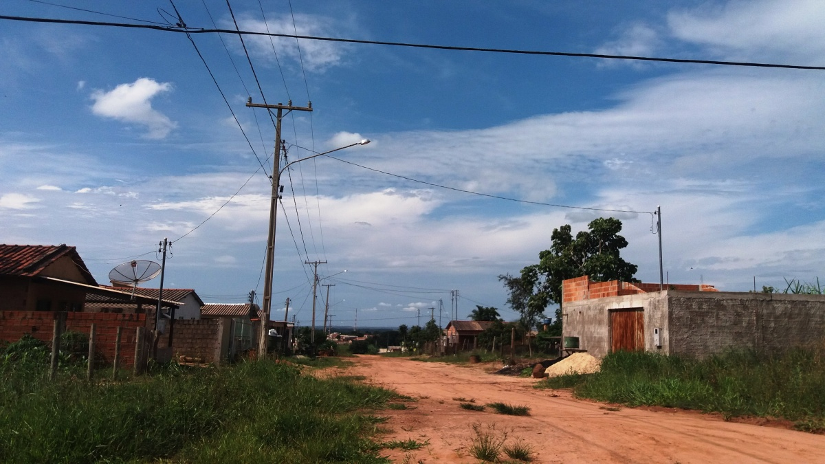 Treze anos de bairro Maria das Graças e moradores não aguentam mais falta de infraestrutura