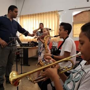 """""""Para mim é muito importante resgatar a música e a arte"""", diz novo regente da banda municipal deTangará"""